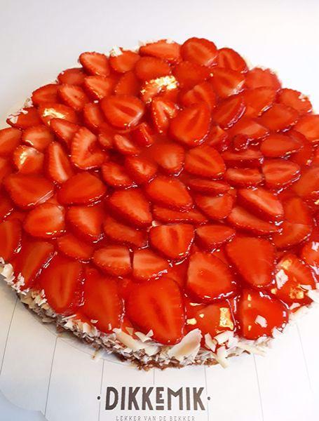 Afbeelding van Aardbei bavarois op cakebodem
